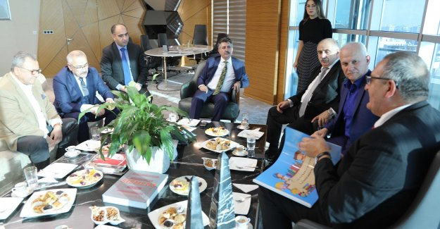 Almanya'da yaşayan Türk iş adamlarından Başkan Sandal'a ziyaret