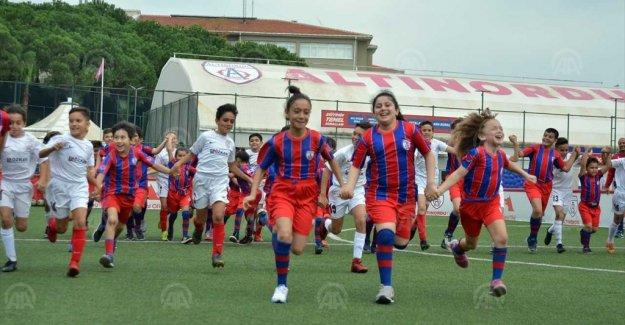 Altınordu Futbol Kulübü, diyabetli çocukları ağırladı