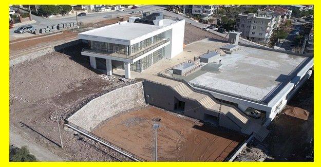 Atatürk Mahallesi'nin yeni pazaryeri ve sosyal tesisleri tamamlandı