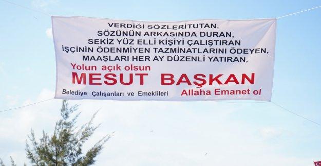 Ayvalık Belediye Başkanı Mesut Ergin'e emekli personelden jest