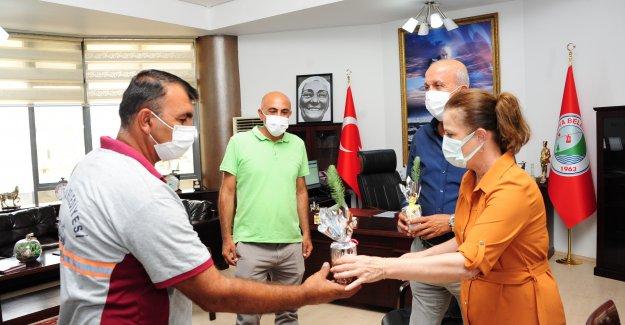 Başkan Çalkaya'dan alev savaşçılarına anlamlı hediye