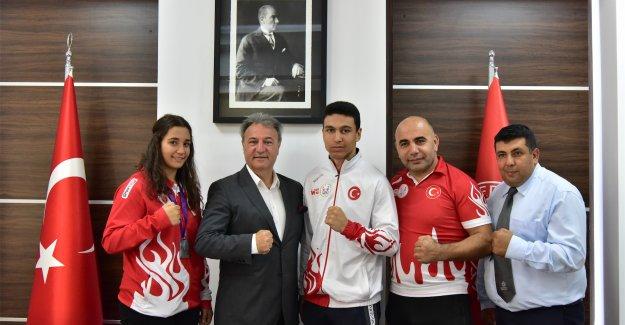 Başkan İduğ'dan şampiyonlara tam destek
