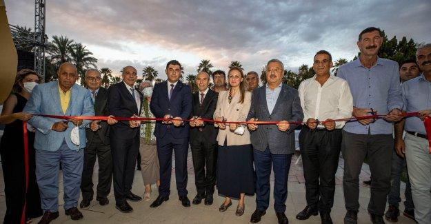 Başkan Soyer Göbeklitepe Fotoğraf Sergisi'nin açılışına katıldı