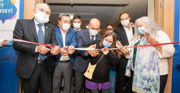 Başkan Soyer İzmir Kent Konseyi'nin yeni hizmet binasını açtı