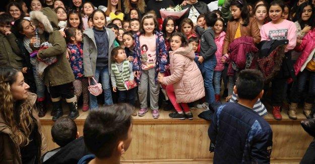 Bayraklı'da çocuklara sömestir eğlencesi