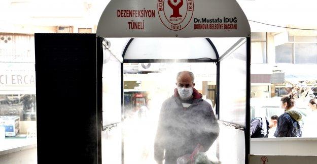 Bornova'daki tüm pazarlara dezenfektan tüneli