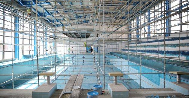 Buca'nın yüzme havuzunda bakım zamanı