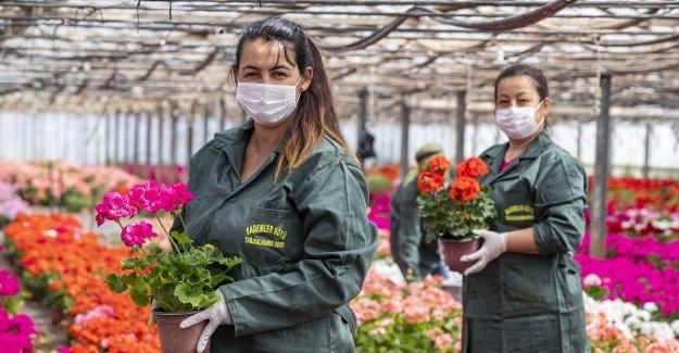 Büyükşehir'den sektöre destek annelere hediye