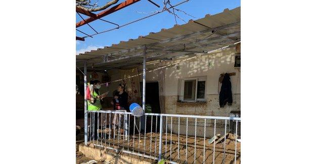 Büyükşehir ekipleri yaraları sarmak için sahada