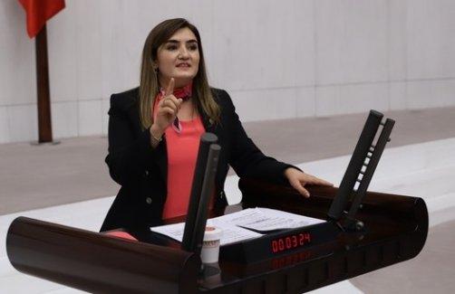 """CHP İzmir Milletvekili Av. Sevda Erdan Kılıç: """"Mahkumlar virüs kapma endişesiyle bir kez daha cezalandırılıyor."""""""