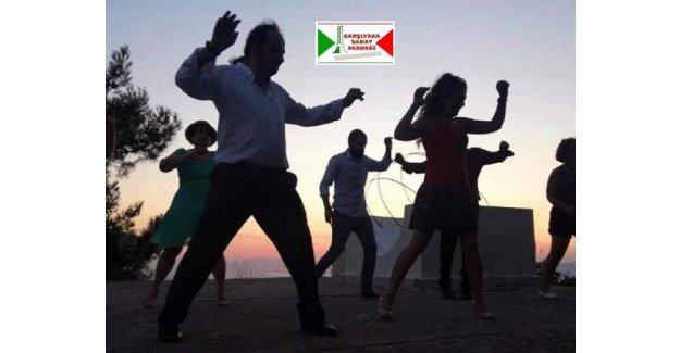 Dansedelim, morallerimizi düzeltelim...