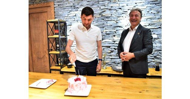 En genç Başkan'a doğum günü sürprizi