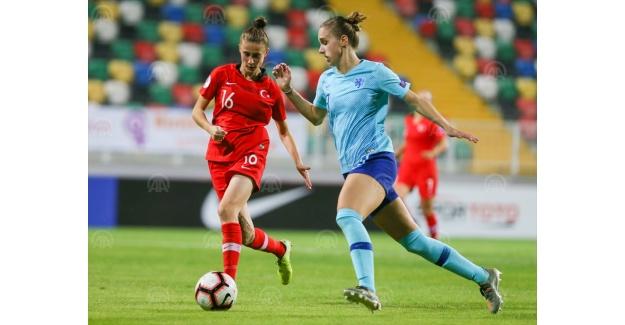 Futbol: 2021 Avrupa Kadınlar Şampiyonası Elemeleri  - Türkiye: 0 - Hollanda: 8