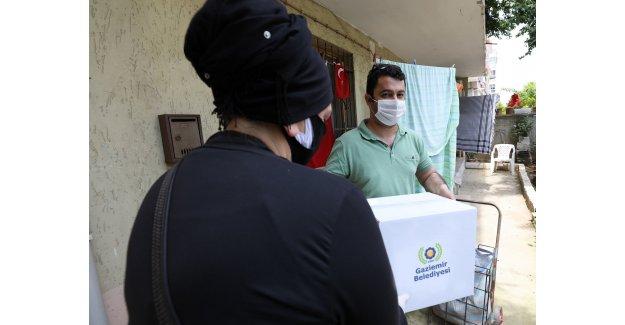 Gaziemir'de bin 200 aileye gıda yardımı