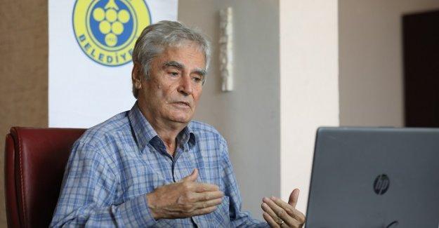 """Göçmenoğlu """"Kara Tren Efsanesi'ni""""  okurlarıyla paylaştı"""