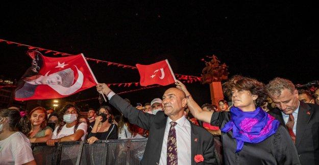 Gündoğdu'da Fener Alaylı 9 Eylül coşkusu