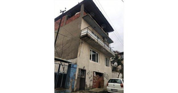 İzmir'de yaşlı çift evinde ölü bulundu