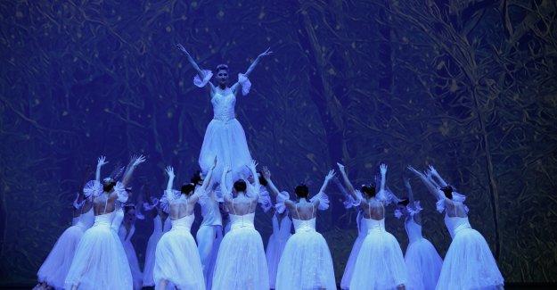 """İzmir Devlet Opera ve Balesi """"Fındıkkıran""""ı sahneleyecek"""