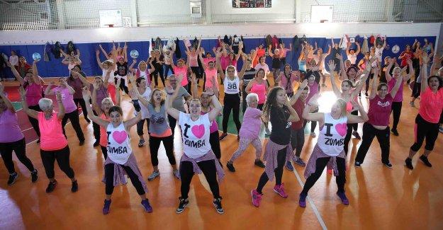 Kadınlardan meme kanseri mesajı: Farkındayız!
