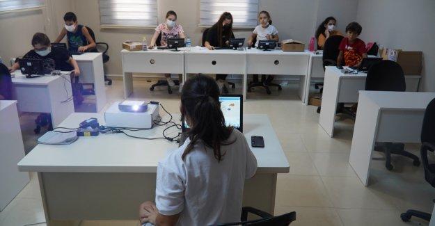 Karşıyaka Belediyesi ile İZELMAN A.Ş. ortaklığıyla çocuklara eğitim verildi