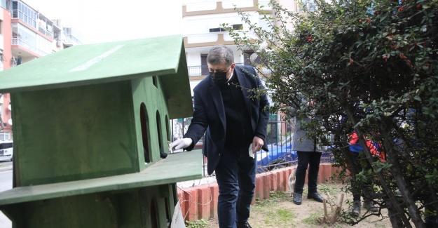 Karşıyaka Belediyesi'nden can dostlar için temizlik çalışması