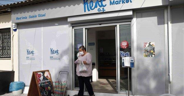 Karşıyaka Cumhuriyet Mahallesi'nde 'Kent Market' açıldı