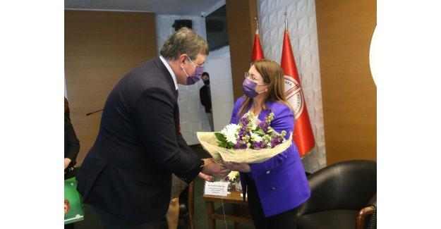 Karşıyaka'da Toplumsal Cinsiyet eşitliği Paneli'nin ikinci oturumu tamamlandı