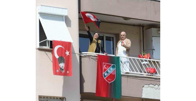 Karşıyaka'yı bayram coşkusu sardı!