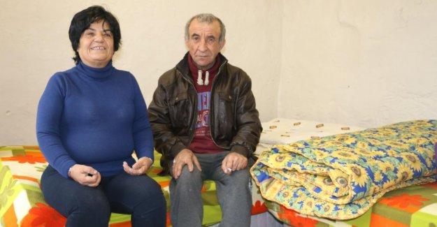 Konak Belediyesi engelli çiftin yüzünü güldürdü