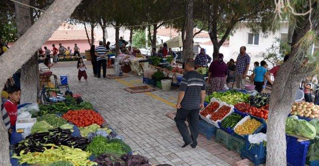 """Menemen'de ilk """"Organik Köy Pazarı"""""""