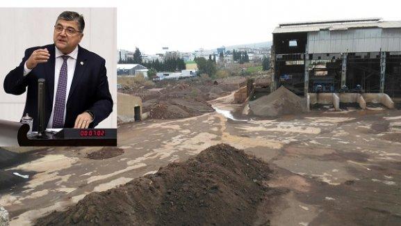 """Milletvekili Sındır, """"İzmir zehirleniyor ama iktidarın umurunda değil!"""""""