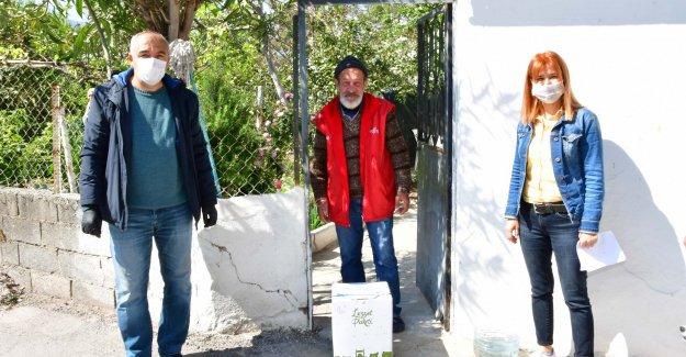 """Narlıdere'de kapı kapı """"dayanışma"""""""