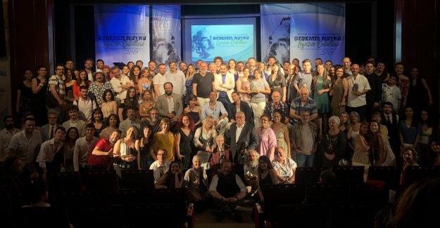 Özdemir Nutku Tiyatro  Ödüllerine coşkulu gala