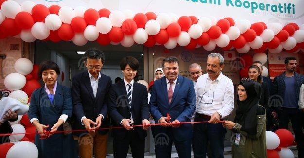 Suriyeli ve Türk kadınlar İzmir'de midye dolma üretecek