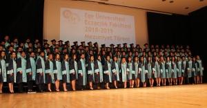 117 genç eczacı meslek hayatlarına uğurlandı
