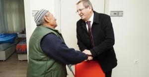 Başkan Ergin Yaşlı Bakım Evini ziyaret etti