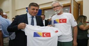 BAŞKAN TUGAY'I SREBRENİTSA'YA DAVET ETTİ