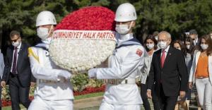 CHP GENEL BAŞKANI KILIÇDAROĞLU, CHP PM VE YDK ÜYELERİYLE ANITKABİR'İ ZİYARET ETTİ