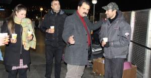 CHP Konak Yeni Yılı Emekçilerle Sokakta Karşıladı