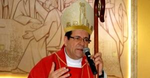 Cinsel istismarı örtbas eden piskopos istifa etti