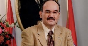 Dr. Burhan Özfatura hayatını kaleme aldı