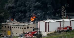 İzmir'de plastik geri dönüşüm deposunda yangın