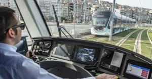 İzmir tramvayla 100 bin ton karbondioksit emisyonunu engelledi