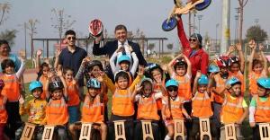 'İzmir'in Bisiklet Festivali' Karşıyaka'da başladı