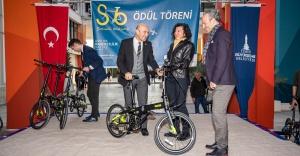 İzmirli bisikletçilere Tunç Soyer ödüllerini verdi