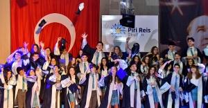 Piri Reis'te mezuniyet coşkusu