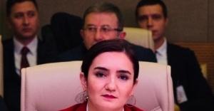 """""""14. Ağır Ceza Mahkemesi'nin kararı hukuki değil, saraydan gelen talimatla alınmış siyasi bir karardır"""""""