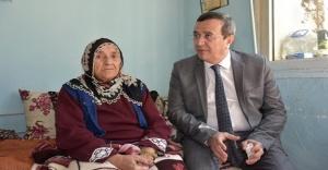 Abdül Batur'dan Türkiye Teyze'ye sürpriz ziyaret