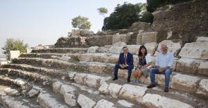 Akdeniz'in yeni antik tiyatrosu Konak'ta doğuyor