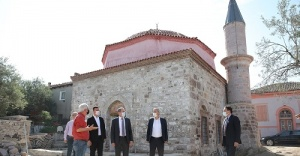 ALTINOVA'NIN TARİHİ KADI CAMİİ'NE SON DOKUNUŞLAR